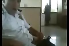 guardia pajero en el trabajo