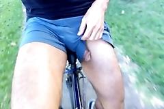 Ciclista mostrando a pika