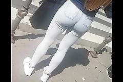 Amazing hot ass in public 1