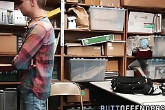 Teen shoplifter fucks raw