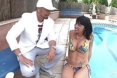 Souhaila, espagnole &agrave_ gros seins aime le sexe