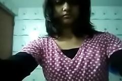 Desi girl Showing her big boobs in the Bathroom