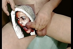 Kater xxx fickt Alessia tief in die Kehle und spritzt ihr ins Gesicht