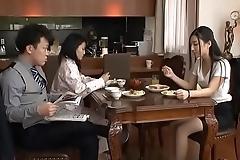 Em G&aacute_i Xinh Đi Lạc V&agrave_o Ph&ograve_ng Anh Rể